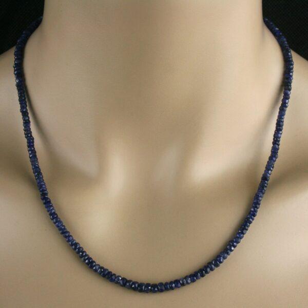 Saphir Kette in blau