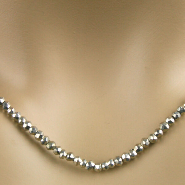 pyrit kette silber 3 600x600 - Pyrit Kette - Collier in silber, 41ct.