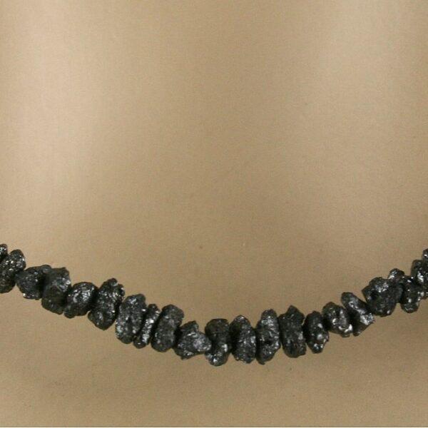rohdia kette schw 4 600x600 - Rohdiamant Kette - Collier in schwarz, 22 ct.